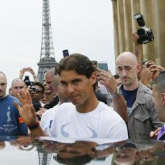 Rafael Nadal celebrates French Open win with Eiffel Tower photo shoot (12)