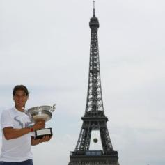 Rafael Nadal celebrates French Open win with Eiffel Tower photo shoot (5)