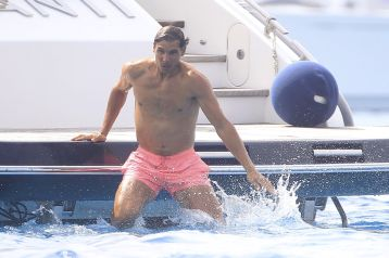 Rafael Nadal and his girlfriend Maria Francisca Perello (24)