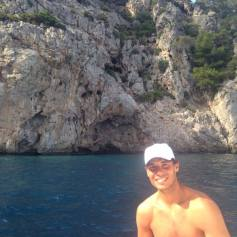 Rafael Nadal relaxes on a boat (July 12, 2014)