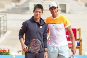 Rafael Nadal and Kei Nishikori play tennis in front of the Sant Pau Recinte Modernista in Barcelona 2015 (4)