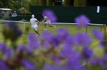 Rafael Nadal Practices With Andy Murray At Wimbledon (1)
