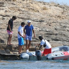 Rafael Nadal enjoys time off from tennis with friends (4)