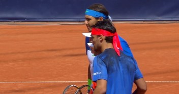 Rafael Nadal and Fabio Fognini pose before the start of the final match in Hamburg