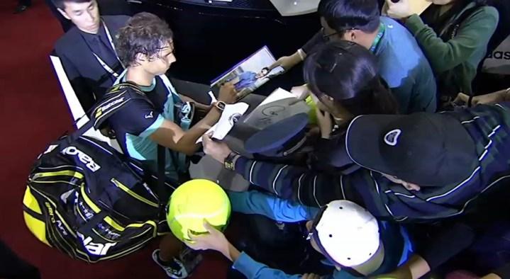 Jo-Wilfried Tsonga beats Jo-Wilfried Tsonga to reach Shanghai final (2)