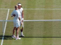 A Wimbledon, Nadal frôle l'élimination au deuxième tour contre l'Américain Robert Kendrick. Il s'en sort et au tour suivant il domine nettement Andre Agassi, la légende vivante, qui dispute là son dernier match sur le centre court.