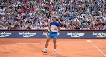 Rafael Nadal celebrates his win in the semi-final match against Andreas Seppi of Italy at the ATP Tennis Tournament in Hamburg, Germany, 1 August 2015. (Tenis, Alemania, Italia, Hamburgo) EFE/EPA/Daniel Reinhardt
