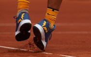 BARCELONA, SPAIN - APRIL 20: Clay falls from the shoes of Rafael Nadal in his match against Marcel Granollers during day three of the Barcelona Open Banc Sabadell at the Real Club de Tenis Barcelona on April 20, 2016 in Barcelona, Spain. (Photo by Manuel Queimadelos Alonso/Getty Images)
