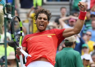 2016 Rio Olympics - Tennis - Preliminary - Men's Singles Third Round - Olympic Tennis Centre - Rio de Janeiro, Brazil - 11/08/2016. Rafael Nadal (ESP) of Spain celebrates after winning match against Gilles Simon (FRA) of France. REUTERS/Toby Melville FOR EDITORIAL USE ONLY. NOT FOR SALE FOR MARKETING OR ADVERTISING CAMPAIGNS.