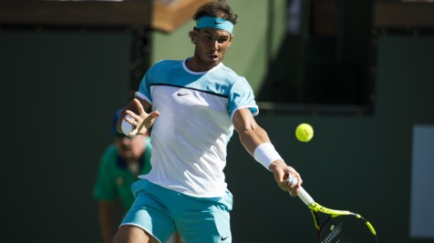 Rafael Nadal of Spain returns a shot to Fernando Verdasco of Spain, March 15, 2016 at the BNP Paribas Open at the Indian Wells Tennis Garden in Indian Wells, California. / AFP / ROBYN BECK (Photo credit should read ROBYN BECK/AFP/Getty Images)