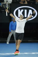 nadal-defeats-monfils-to-reach-australian-open-quarter-finals-4