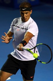ACAPULCO, MEXICO - FEBRUARY 28: Rafael Nadal of Spain returns the ball during the match between Mischa Zverev (GER) and Rafael Nadal (ESP) as part of the Abierto Mexicano Telcel 2017 at the Fairmont Acapulco Princess on February 28, 2017 in Acapulco, Mexico. (Photo by Miguel Tovar/LatinContent/Getty Images)