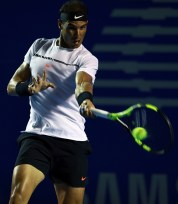 ACAPULCO, MEXICO - March 01: Rafael Nadal of Spain returns the ball during the match between Paolo Lorenzi (ITA) and Rafael Nadal (ESP) as part of the Abierto Mexicano Telcel 2017 at the Fairmont Acapulco Princess on March 01, 2017 in Acapulco, Mexico. (Photo by Miguel Tovar/LatinContent/Getty Images)