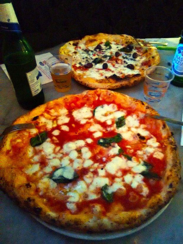 Cosa fare a Napoli: la pizza di Sorbillo