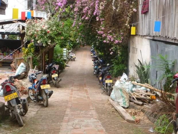 Una strada di Luang Prabang