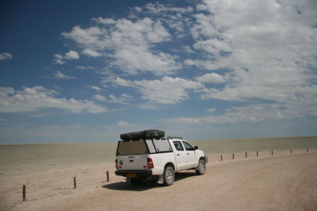 Self drive in Namibia: sosta al pan dell'Etosha