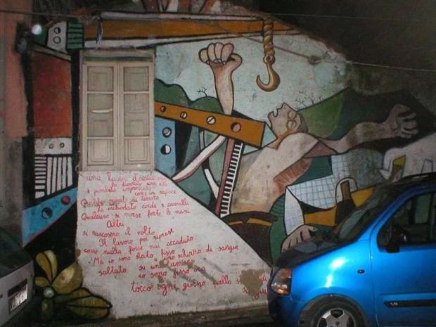 Vacanza in Sardegna: un murales a Orgosolo