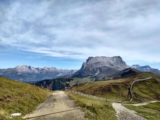 Tratto di sentiero tra il Passo Duron e il rifugio Alpe di Tires