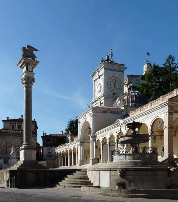 La piazza Libertà a Udine