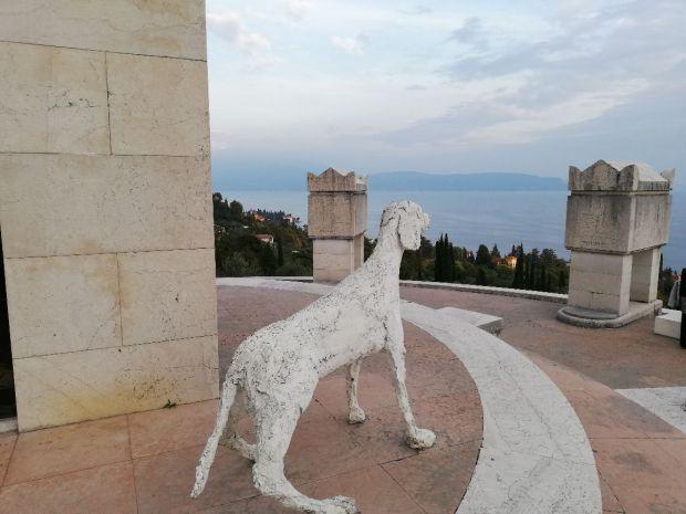 Uno scorcio del Lago di Garda dal Mausoleo del Vittoriale