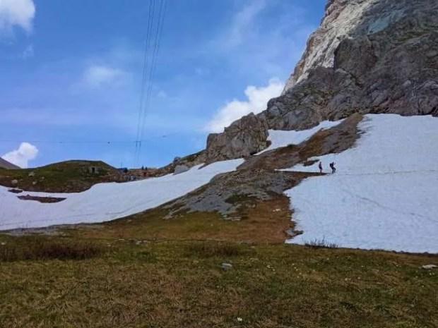 Giugno 2021 - Neve sul sentiero poco prima del Rifugio Lambertenghi
