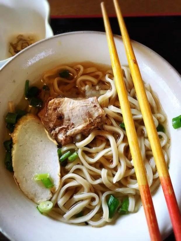 L'autentica cucina cinese: i lamian serviti in brodo