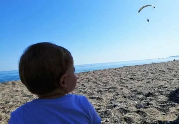 La spiaggia, paradiso dei bimbi in ogni stagione