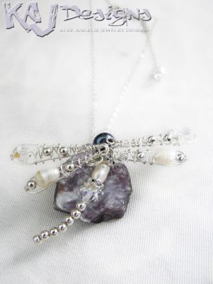 dragonfly-pendant-necklace