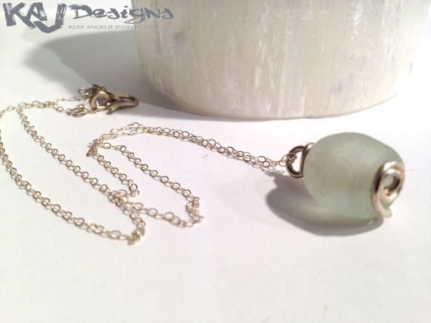 white-trade-glass-necklace-2