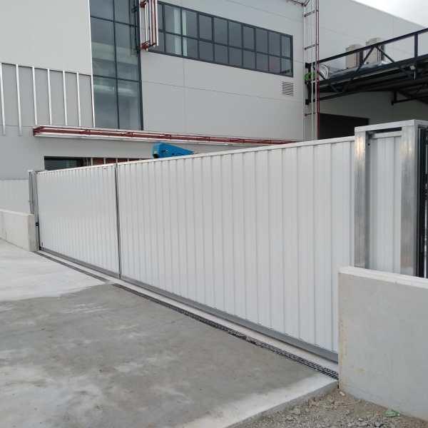 Puerta corredera industrial Tipo Rodante