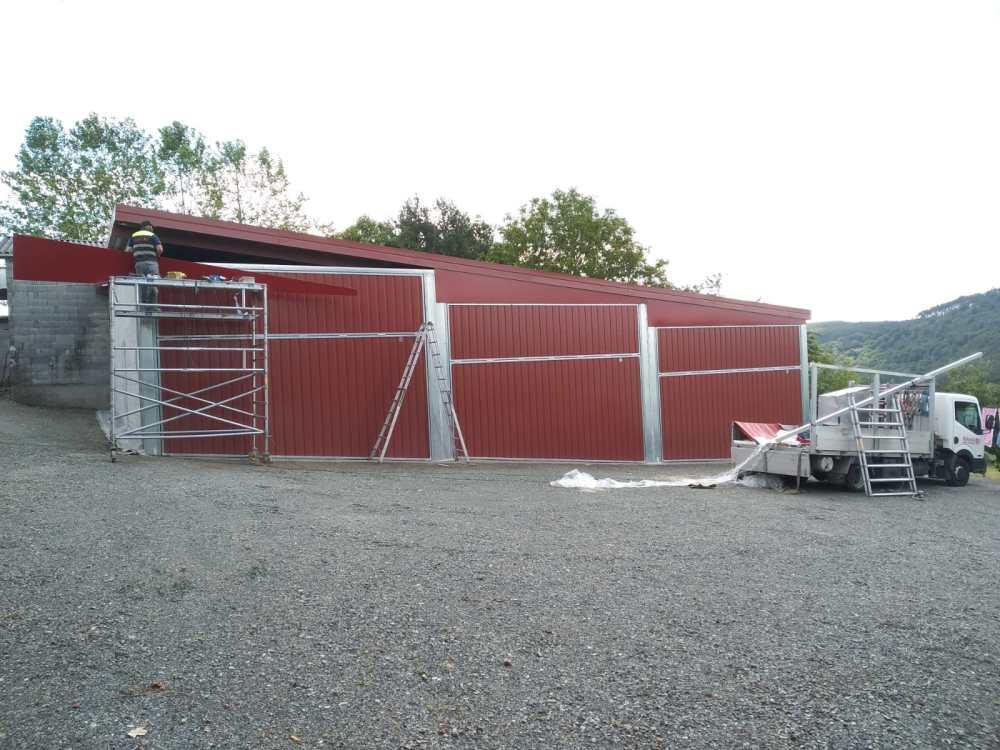 Instalación en Arzúa de portales contrapesados Novoferm CP-10 11