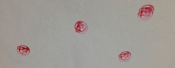 '골대와 마리오' 토이의 바닥 뚜껑을 열면 스탬프를 찍을 수 있다.