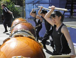 There was plenty of drumming on Saturday as Taikoproject (pictured), Bombu Taiko, Kitsune Taiko and Loma Pacific Taiko performed separately and together. (J.K. YAMAMOTO/Rafu Shimpo)