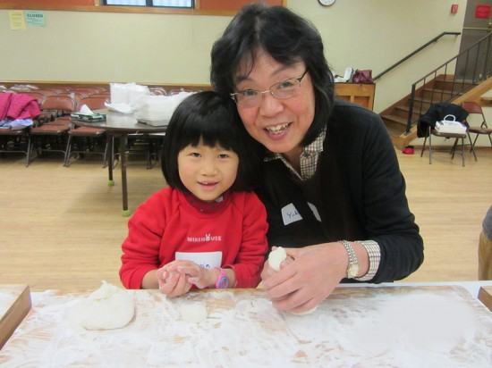 Families are invited to participate in the mochitsuki workshops.