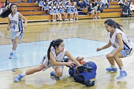 Walnut's Kim Mayekawa battles for the ball with Kiana Wright of Diamond Ranch, as Jenna Pitpit (34) and Chloe Hsu look on. Diamond Ranch hung on for a 58-56 victory. (Photo by Bob Nishimura)