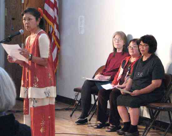 Beverly Toyama (left) talks about an incident in which she was shot as Debbie Mochidome, Patty Takayama and Patti Dozen listen.