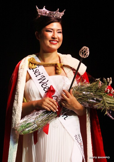 Sara Kuniko Hutter, representing Orange County Nikkei Coordinating Council, was crowned 2015 Nisei Week Queen on Aug. 16 in Little Tokyo. (MARIO G. REYES/Rafu Shimpo)