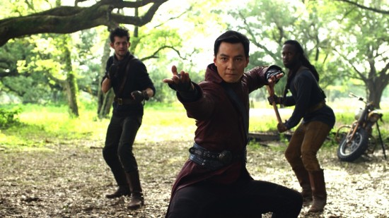 """Danie Wu (center) as Sunny in """"Into the Badlands."""" (AMC)"""