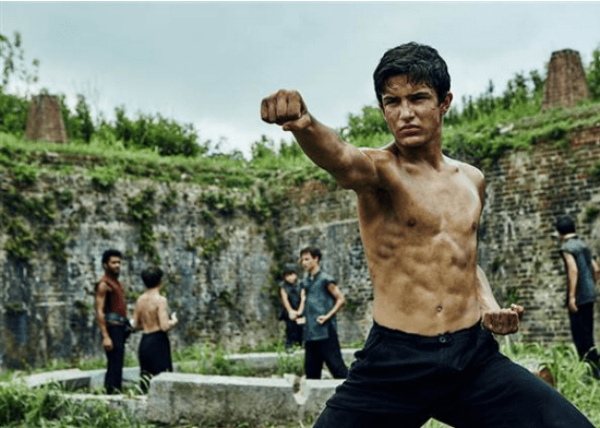 """Aramis Knight as M.K. in a scene from """"Into the Badlands."""" (AMC)"""