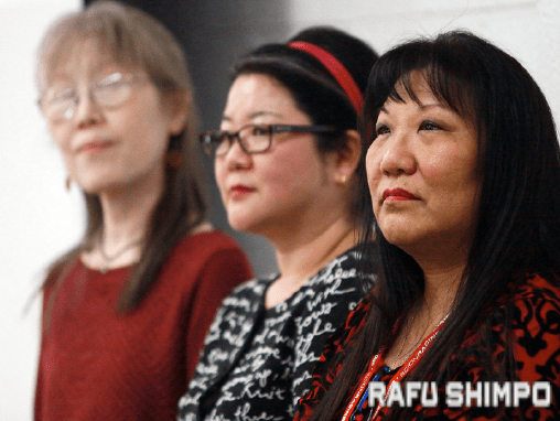 Sansei Stories participants (from left) Debbie Mochidome, Dani Imura and Kathryn Endo-Roberts.