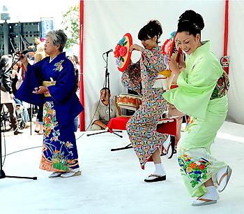 松豊会による日本民謡の演奏