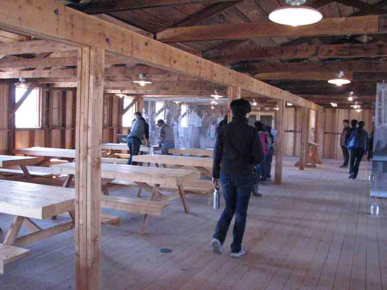 Walk-through exhibits at Manzanar National Historic Site include a replica of a camp mess hall. (J.K. YAMAMOTO/Rafu Shimpo)