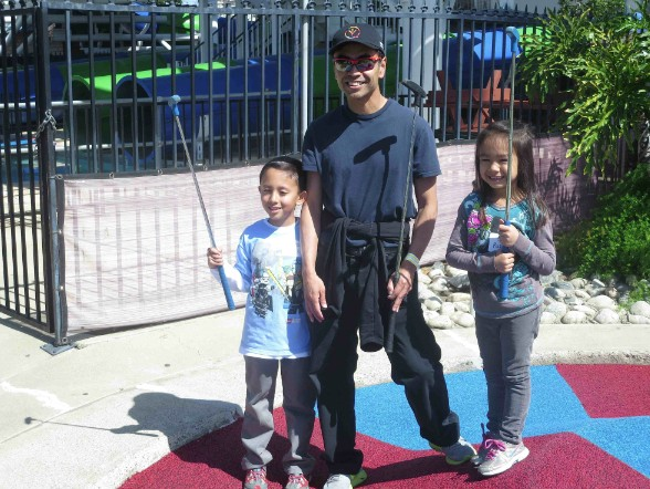 Celebrity golfer James Toma, mayor of West Covina, brought his family.