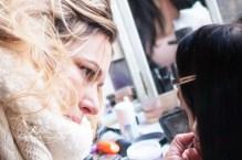 Maquillando a Alba