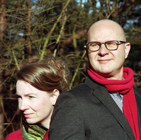 Foto van Sarah Wong voor Herman Magazine dat gaat over testosteron met Marjolein en Ralph Stoove starend voor zich uit