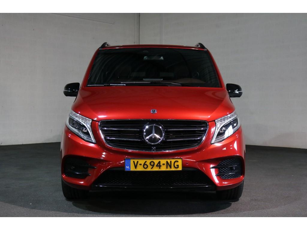 Afbeelding van de voorkant van mijn toekomstige Mercedes-Benz V-klasse met AMG-line sportpakket, die zal worden aangepast als rolstoelbus, een zelfrijder met handbediening ivm mijn handicap of beperking