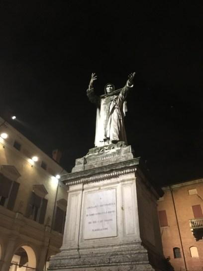 Statue of Savonarola, Ferrara