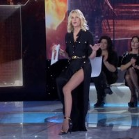 ALESSIA MARCUZZI: IL MIO DIFETTO, NON POSSO RIFARLO ALLORA LO MOSTRO!