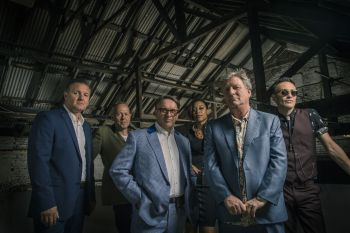 Squeeze-Full-Band-hi-res-RobOConnor-RGB_preview