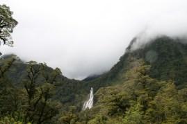 Wilmot Pass – Vue sur les Helena Falls au-dessus de Deep Cove